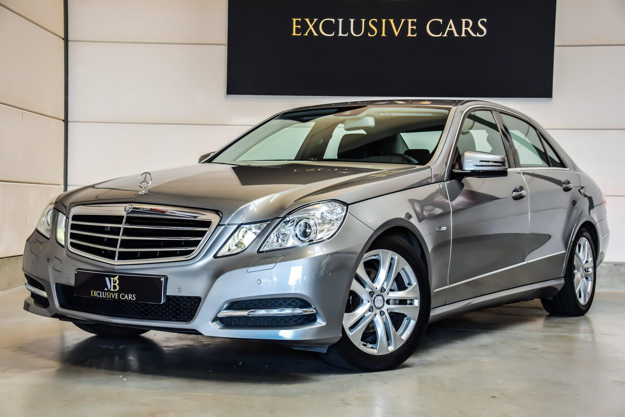 Mercedes-Benz E200 CDI Avantgarde BlueEfficiency 04/2011 -Full Option!!