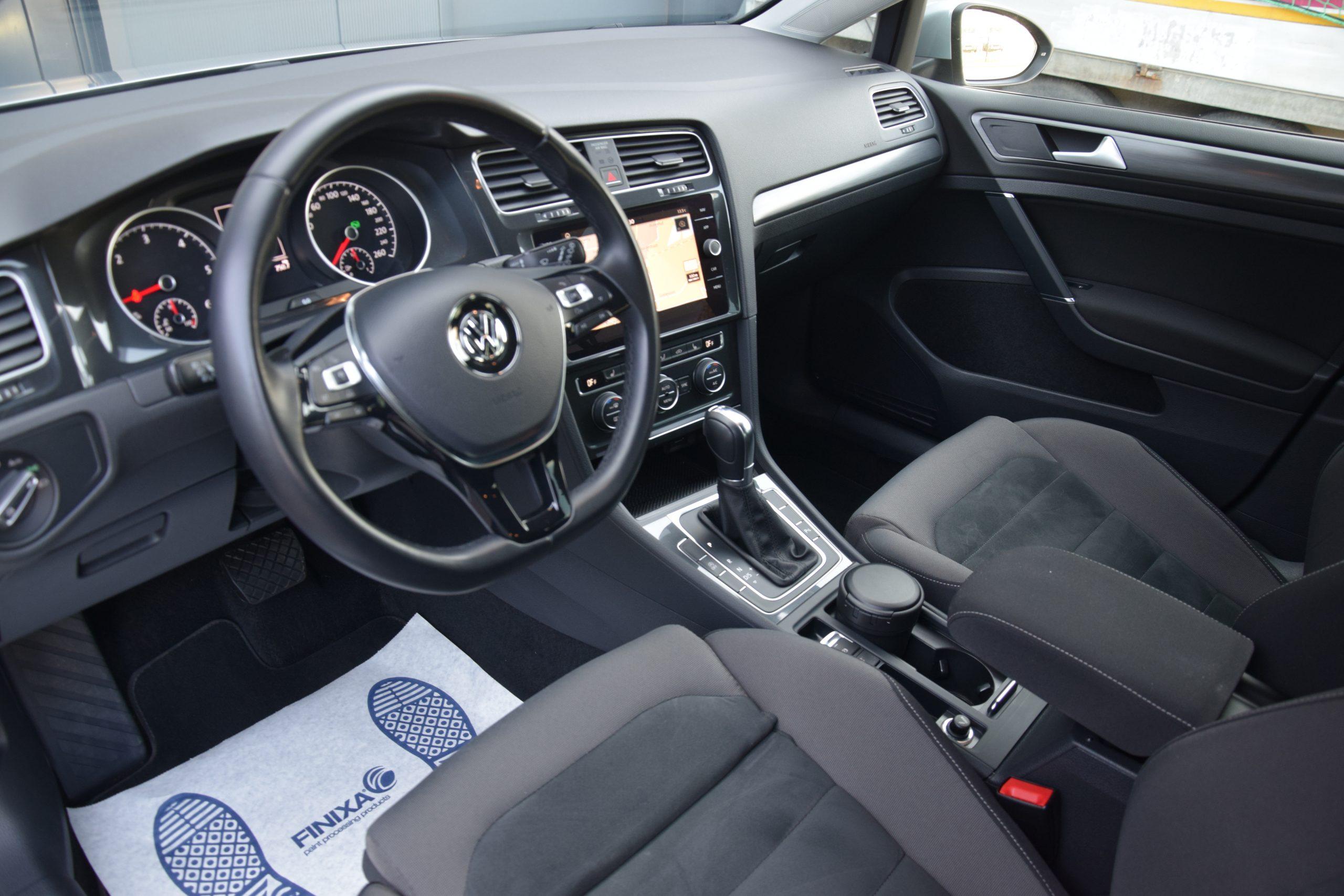 Volkswagen Golf 1.6 TDI Highline DSG 08/2018