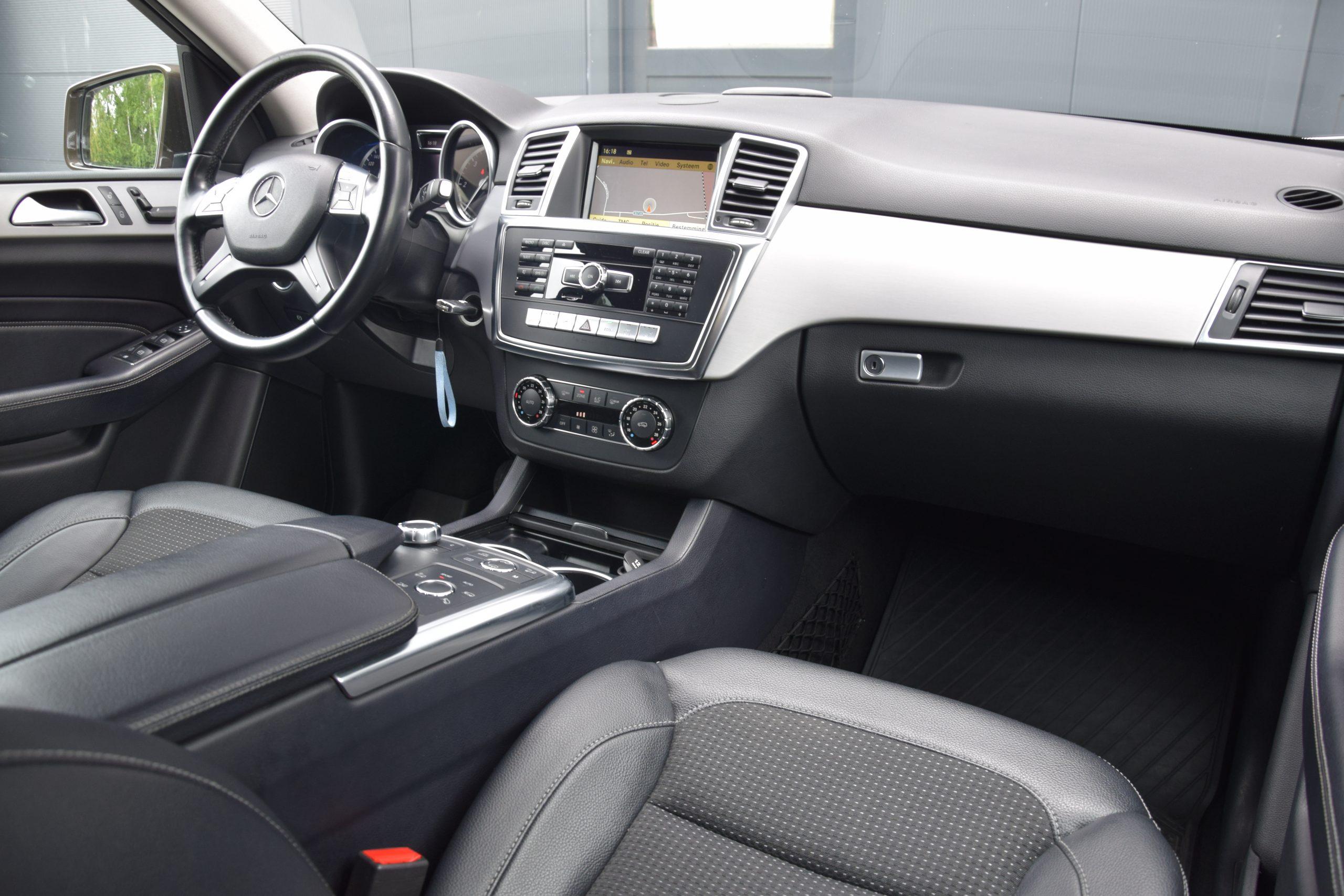 Mercedes-Benz ML 250 BlueTec 4-Matic 7G- Offroad Pakket – Luchtveringen!! 08/2012