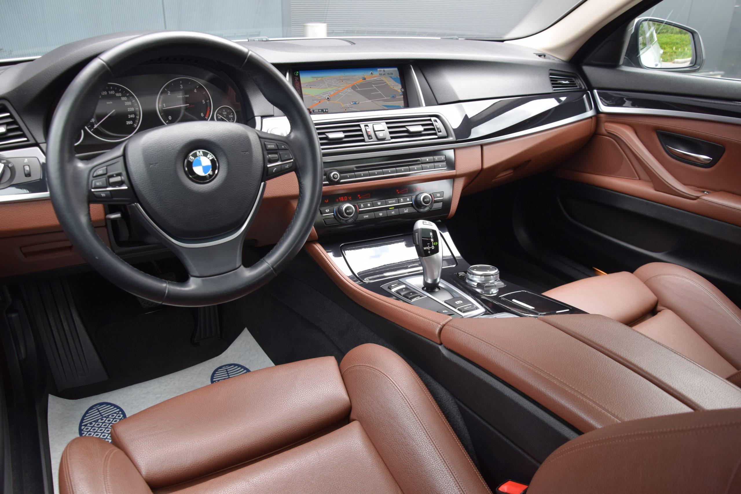 BMW 518 dA 09/2015 – Open dak – Navi – Leder